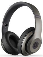Beats by Dr. Dre Studio Wireless titanio