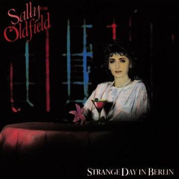 Sally Oldfield - Strange Day in Berlin