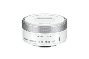Nikon 1 NIKKOR 10-30 mm F3.5-5.6 ASPH. ED IF PD-ZOOM VR (adapté à Nikon 1) blanc