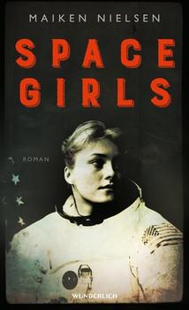 Space Girls - Maiken Nielsen  [Gebundene Ausgabe]